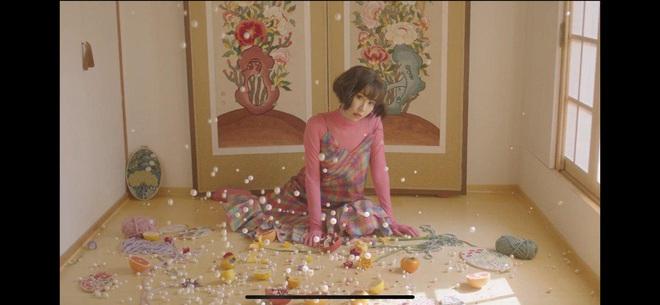 Min táo bạo đưa motif nhân thú vào MV Vì Yêu Cứ Đâm Đầu, Đen và Justatee không thấy đâu nhưng giật thót khi xem đến cái kết! - ảnh 13