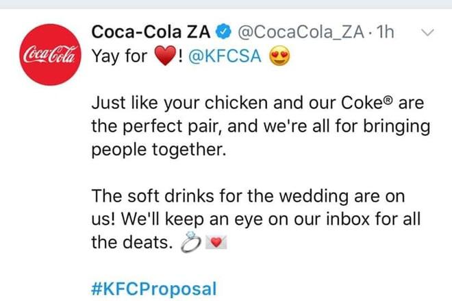 Mạnh dạn cầu hôn trong KFC, cặp đôi bất ngờ bị hàng loạt thương hiệu lớn truy lùng đòi... tặng quà khủng và đài thọ toàn bộ chi phí cưới hỏi - ảnh 3