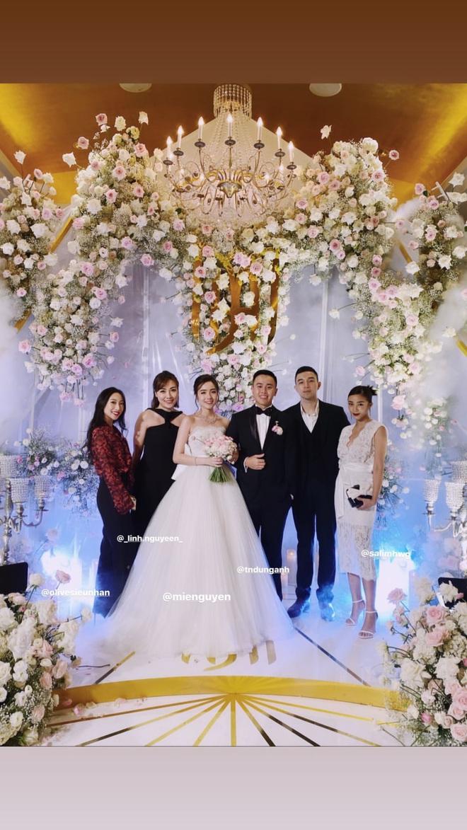 Hội bạn thân Mie, Salim và Trang Olive không tránh khỏi lời nguyền: Đang yên lành, kiểu gì cũng có 1 đứa bỏ đi lấy chồng! - ảnh 1