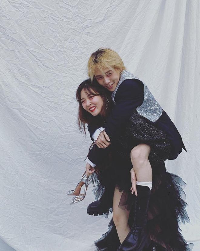 Nhìn cool ngầu vậy thôi chứ Dawn từng tặng 5 món quà khiến HyunA chết chìm trong sự bất ngờ và lãng mạn - ảnh 2