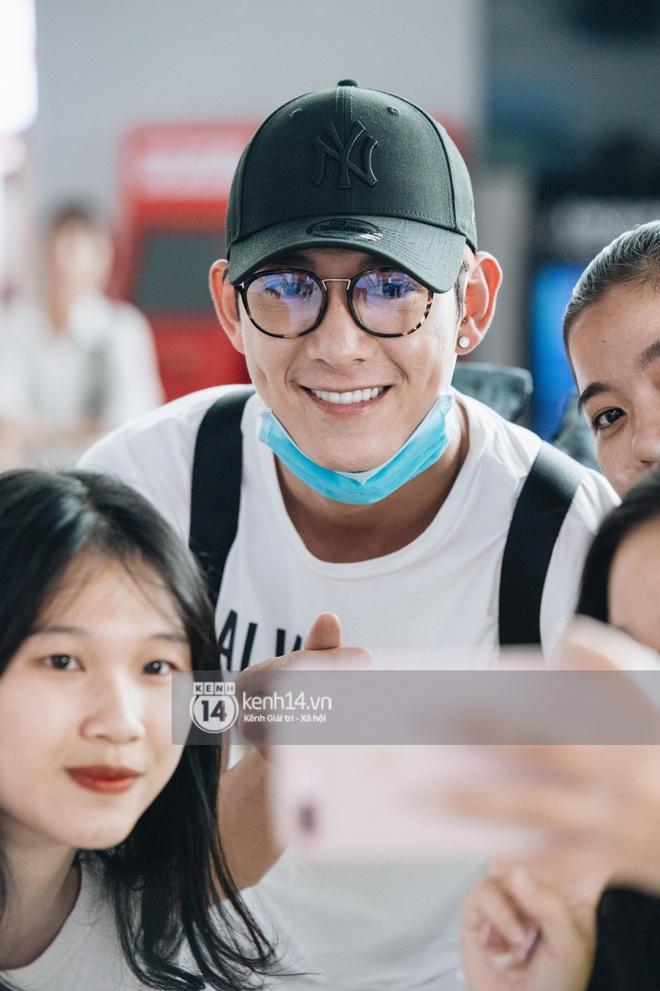 Dàn sao Vbiz đổ bộ sân bay rời Phú Quốc: Người thấm mệt, người vẫn tươi rói sau đêm quẩy nhiệt tại đám cưới Đông Nhi - ảnh 18