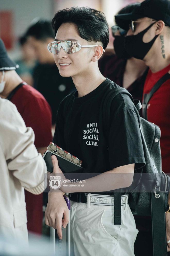 Dàn sao Vbiz đổ bộ sân bay rời Phú Quốc: Người thấm mệt, người vẫn tươi rói sau đêm quẩy nhiệt tại đám cưới Đông Nhi - ảnh 16