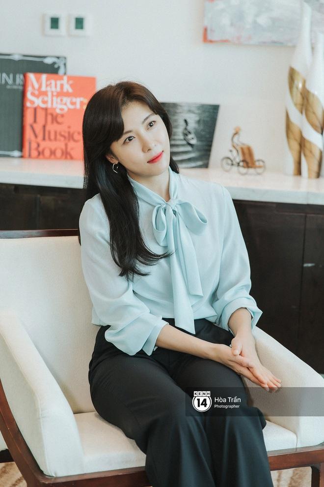 Phỏng vấn Hoàng hậu Ki Ha Ji Won tại Việt Nam: Không dưới 10 lần định bỏ làm diễn viên, tiết lộ bí quyết giữ nhan sắc hack tuổi - ảnh 11