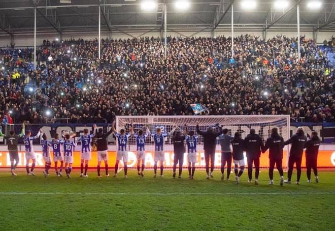 Văn Hậu mời đồng đội ăn đặc sản Việt Nam, SC Heerenveen ngược dòng thắng nghẹt thở - ảnh 2