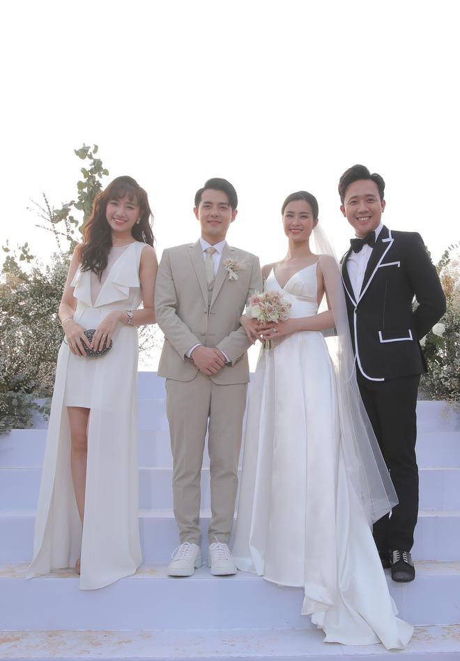 Nhìn lại dàn khách mời cực đỉnh trong siêu đám cưới Đông Nhi: Nhã Phương - Hari Won nền nã, hội mỹ nhân ai cũng cực xinh - ảnh 4