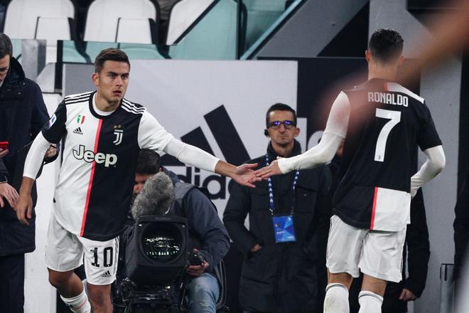 Ronaldo vùng vằng khi bị thay ra ngay từ phút 55, càng trớ trêu hơn khi người thay anh lại trở thành cứu tinh của đội - ảnh 5