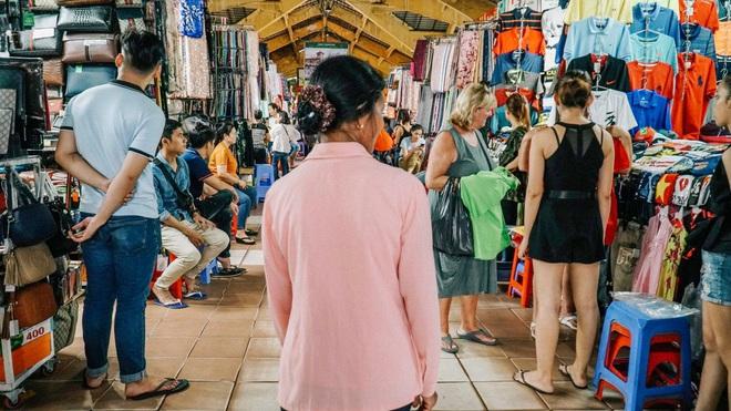 """Bất ngờ ghé thăm Sài Gòn, con trai YouTuber """"Ẩm thực mẹ làm"""" nhắn nhủ: Mong sao mẹ luôn khỏe để con dẫn đi du lịch nhiều nơi! - Ảnh 6."""