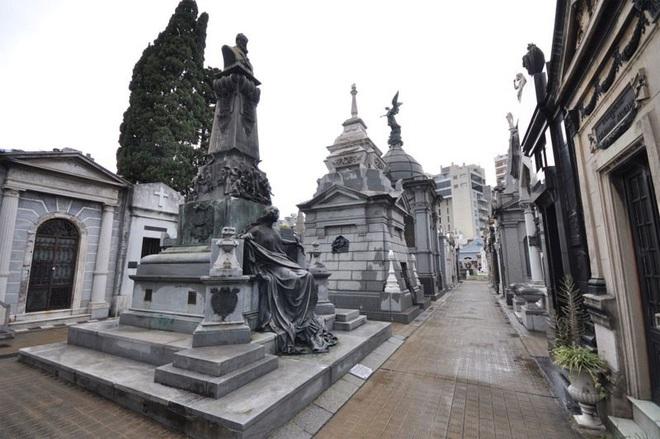 Vẻ đẹp của các nghĩa trang cổ khắp thế giới - ảnh 3