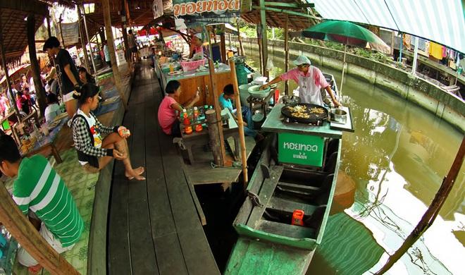 """Đi Thái mà """"lơ đẹp"""" 8 khu chợ nổi """"đỉnh cao"""" gần ngay Bangkok thì thiếu sót lắm đấy - Ảnh 9."""