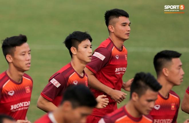 HLV Park Hang-seo loại 2 sao trẻ điển trai, chốt 23 cầu thủ đấu UAE tại Vòng loại World Cup 2022 - ảnh 1