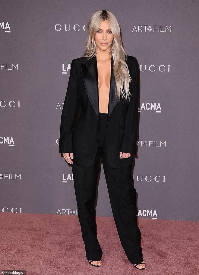 Tiết lộ bí quyết diện những bộ cánh hở bạo, Kim Kardashian khiến netizen choáng váng vì cảnh xôi thịt nhức mắt - ảnh 5