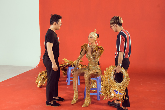 Hoàng Thùy sau khi thử cả 3 trang phục dân tộc: Không có bộ nào tạo cho mình sự thoải mái trên sân khấu - ảnh 8