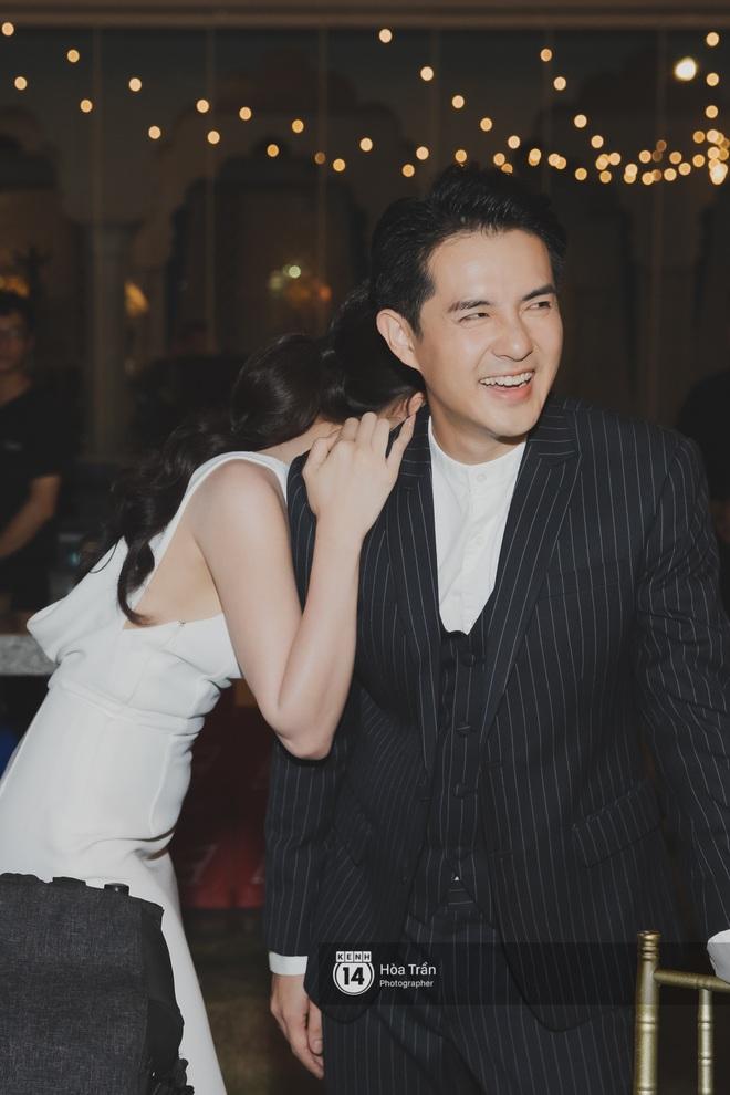 Hậu đám cưới thế kỷ, Đông Nhi tiết lộ sụt 1,5kg nhưng vẫn xuất hiện cực xinh bên ông xã Ông Cao Thắng tại tiệc cảm ơn - Ảnh 2.