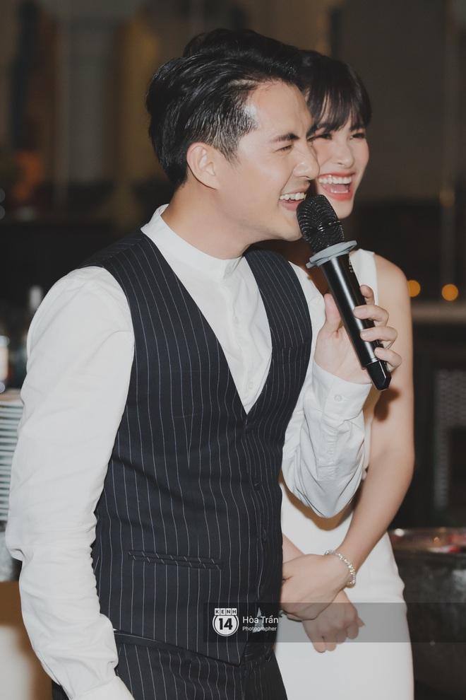 Hậu đám cưới thế kỷ, Đông Nhi tiết lộ sụt 1,5kg nhưng vẫn xuất hiện cực xinh bên ông xã Ông Cao Thắng tại tiệc cảm ơn - Ảnh 10.