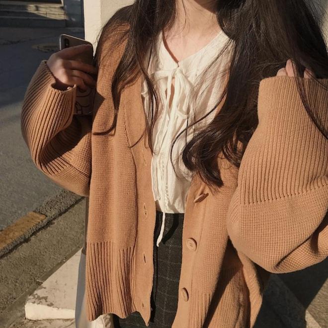 Hà Nội lạnh ra trò rồi, các cô nàng mê ăn diện còn chờ gì mà không quẩy 5 kiểu áo khoác đẹp xỉu này ngay và luôn? - ảnh 16