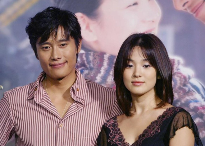 Những cặp đôi phim giả tình thật thảm nhất châu Á: Song Hye Kyo bị réo gọi tận 2 lần, nhưng khổ nhất là Châu Du Dân - Ảnh 1.