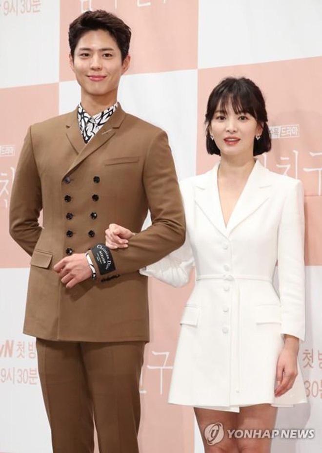 Những cặp đôi phim giả tình thật thảm nhất châu Á: Song Hye Kyo bị réo gọi tận 2 lần, nhưng khổ nhất là Châu Du Dân - ảnh 10