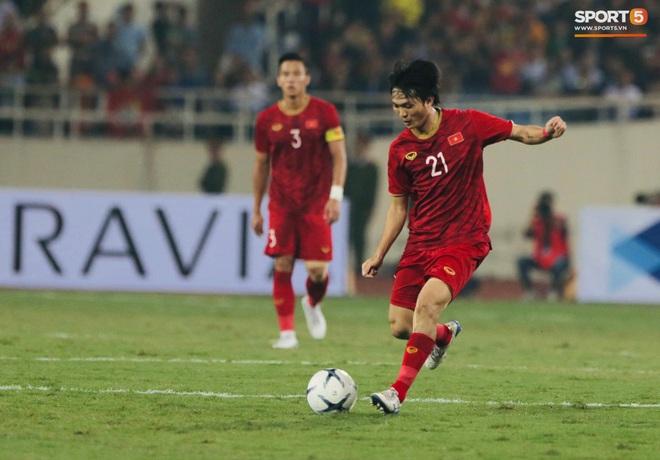Tuyển thủ Việt Nam ra sân với số áo lạ và sự tinh quái của thầy Park - ảnh 5