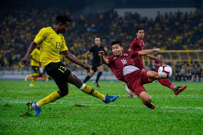 Malaysia vỡ òa sung sướng sau khi đánh bại Thái Lan, giúp tuyển Việt Nam lên ngôi đầu - ảnh 3