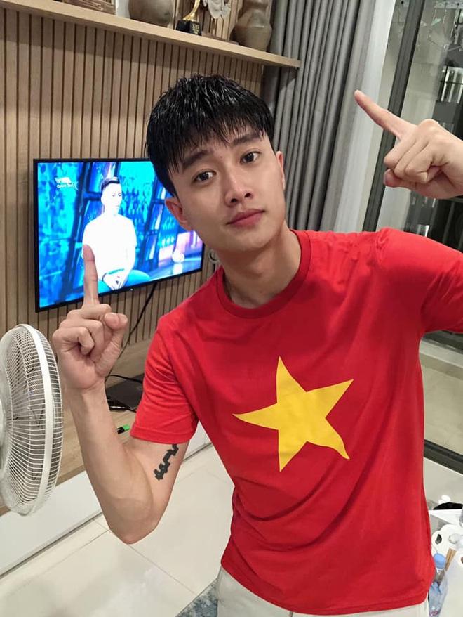 Bảo Anh chơi lớn tung ảnh nude mừng tuyển Việt Nam chiến thắng, lên ngôi đầu bảng G vòng loại World Cup 2022 - ảnh 3