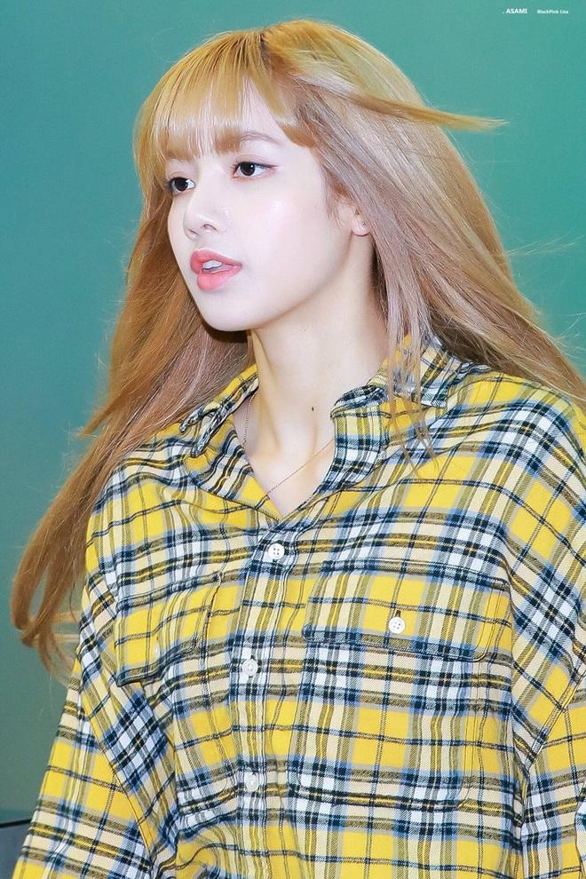 Làn da của Lisa vẫn đẹp bất chấp kể cả trong ảnh không chỉnh sửa và bí kíp của cô hóa ra chính là mặt nạ ngủ - ảnh 1