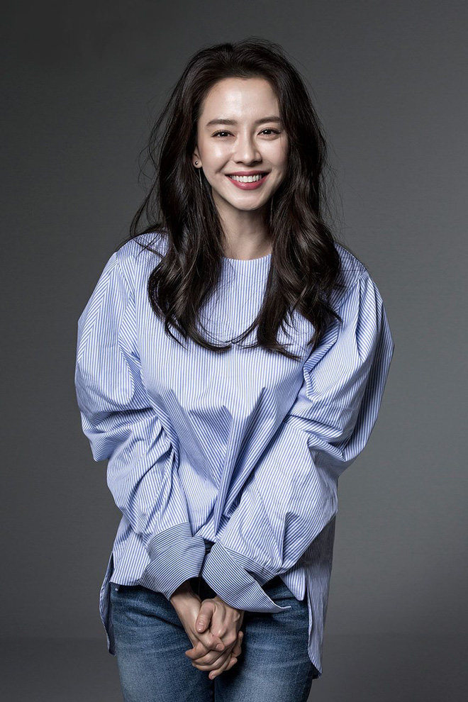 Sau 14 năm nằm không, mợ ngố Song Ji Hyo bỗng được tận 4 mỹ nam theo đuổi trong phim mới - ảnh 3
