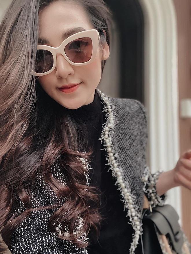 Áo khoác vải tweed: Các nàng sang chảnh nhất showbiz Việt - Hàn đều đang chết mê chết mệt, còn bạn thì sao? - ảnh 12