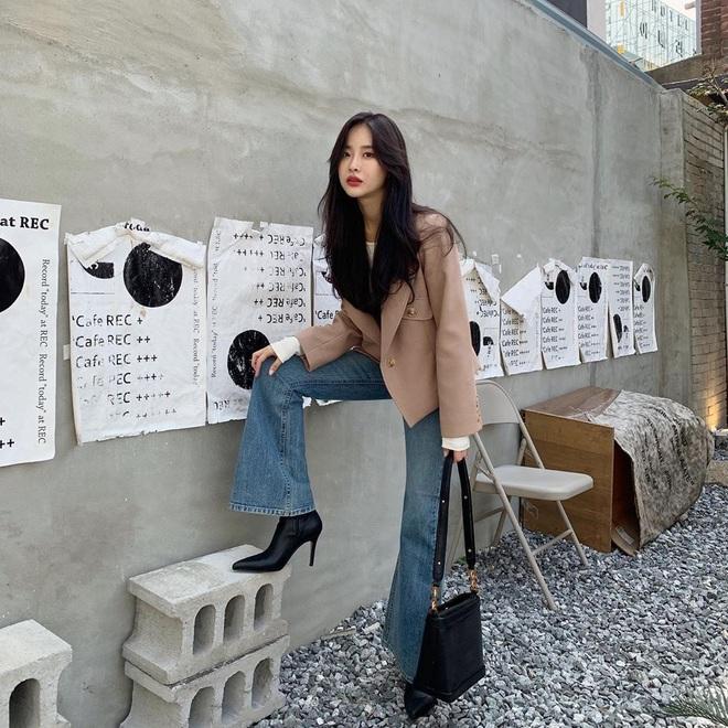 7 kiểu quần jeans được các BTV thời trang chỉ ra còn lâu mới lỗi thời, mặc đẹp được chục năm là ít - ảnh 31
