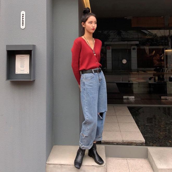 7 kiểu quần jeans được các BTV thời trang chỉ ra còn lâu mới lỗi thời, mặc đẹp được chục năm là ít - ảnh 27