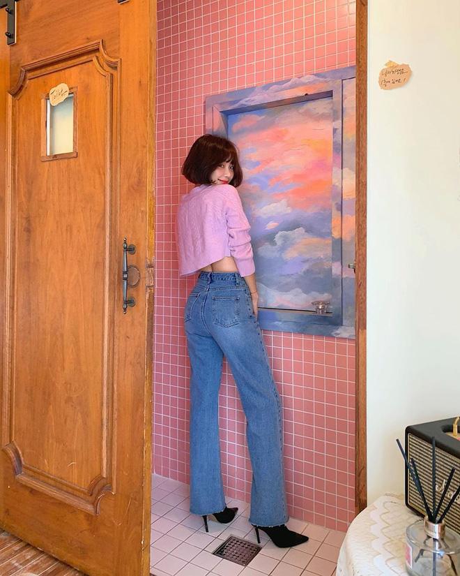 7 kiểu quần jeans được các BTV thời trang chỉ ra còn lâu mới lỗi thời, mặc đẹp được chục năm là ít - ảnh 29