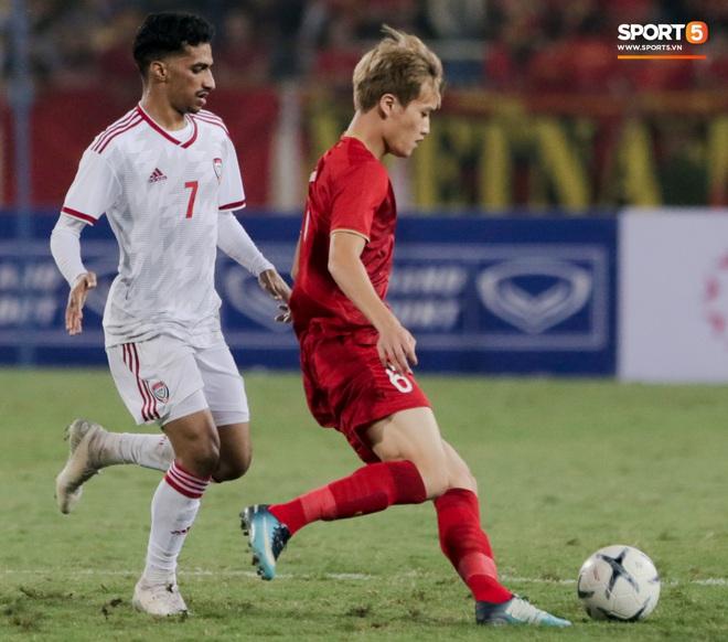 Tân binh gợi nhớ Xuân Trường với chiếc áo số 6 trong trận đấu ra mắt đội tuyển Việt Nam - ảnh 10