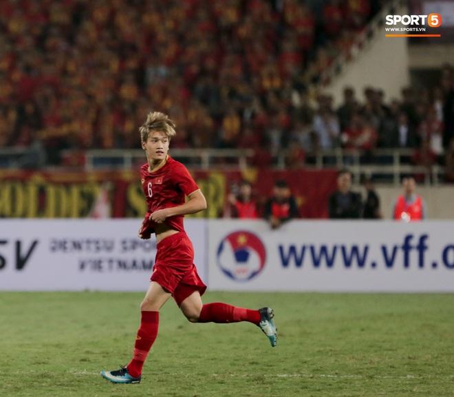 Tân binh gợi nhớ Xuân Trường với chiếc áo số 6 trong trận đấu ra mắt đội tuyển Việt Nam - ảnh 6
