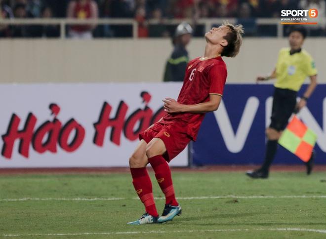 Tân binh gợi nhớ Xuân Trường với chiếc áo số 6 trong trận đấu ra mắt đội tuyển Việt Nam - ảnh 8