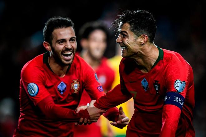 Ronaldo lập hat-trick, tuyển Bồ Đào Nha thắng set tennis trắng để tiến sát vé dự Euro 2020 - ảnh 5