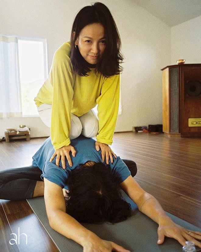Bộ ảnh tập yoga gây bão MXH của vợ chồng Lee Hyori: Nhìn qua tựa ngôn tình, gần vào mới thấy ông xã cam chịu ra sao! - Ảnh 8.