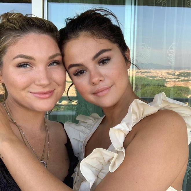 Ai như Selena Gomez, tự đăng ảnh mắt nổ mắt xịt vẫn thu về 7 triệu like liền tay vì nhan sắc thật - Ảnh 4.