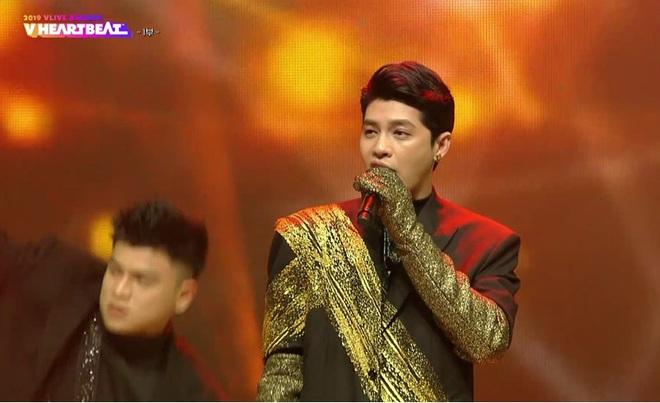 Noo Phước Thịnh biểu diễn hit mới đầy đẳng cấp trên sân khấu Hàn Quốc, BTS vắng mặt vẫn gây bùng nổ! - Ảnh 3.