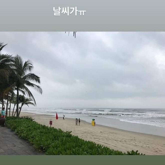 """Lại thêm idol Kpop vi vu Việt Nam: Eunji (Apink) bí mật sang Đà Nẵng, đưa em trai vừa thi đại học """"xả"""" stress - ảnh 4"""