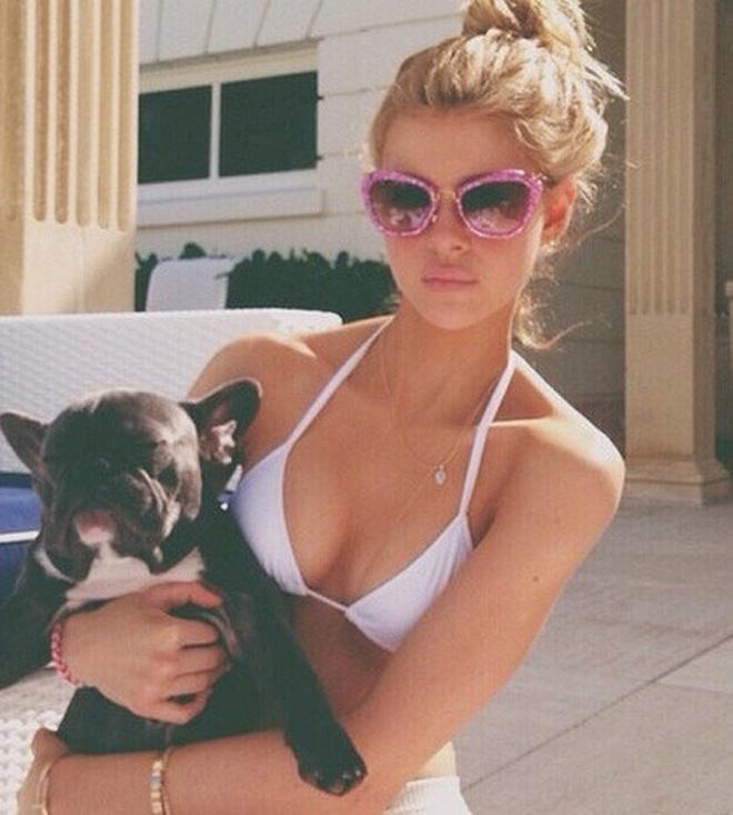 Lần đầu xuất hiện sau tin hẹn hò quý tử Beckham, ái nữ tỷ phú lộ nhan sắc đời thường ra sao? - ảnh 5