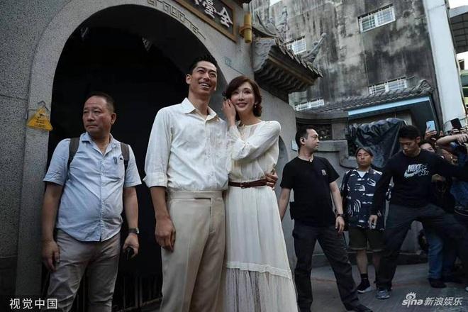 Bị phản đối dữ dội, siêu mẫu ngực khủng xứ Đài Lâm Chí Linh vẫn váy cưới lộng lẫy tập dượt trước hôn lễ với chồng Nhật kém 7 tuổi - Ảnh 5.
