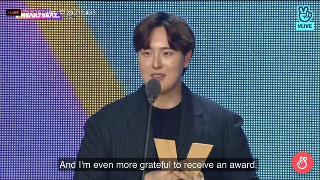 Noo Phước Thịnh biểu diễn hit mới đầy đẳng cấp trên sân khấu Hàn Quốc, BTS vắng mặt vẫn gây bùng nổ! - Ảnh 20.