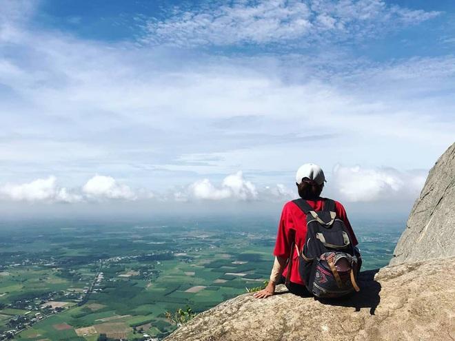 Tuổi trẻ nhất định phải một lần được đi leo núi, cuối tuần muốn trốn khỏi Sài Gòn thì thử chinh phục 4 chỗ này xem! - Ảnh 7.