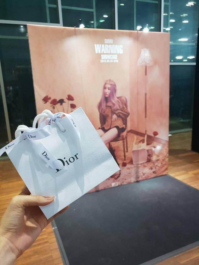 """Khi idol tặng quà đắt tiền cho fan: Jennie, HyunA,… tặng mĩ phẩm xa xỉ, quà của """"tình đầu quốc dân"""" lên đến 1,3 tỉ đồng - ảnh 10"""