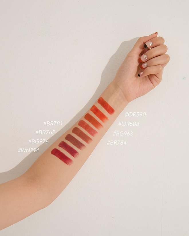 """6 cây son cam đỏ lên màu """"max"""" xinh, diện lên sáng bừng khuôn mặt nàng nào cũng nên sở hữu Đông này 7"""