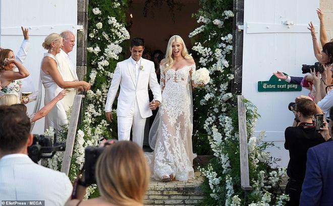 Đám cưới thiên thần Victoria's Secret hot nhất Hollywood hôm nay: Đẹp như phim, gia thế khủng của chú rể gây sốt - ảnh 6