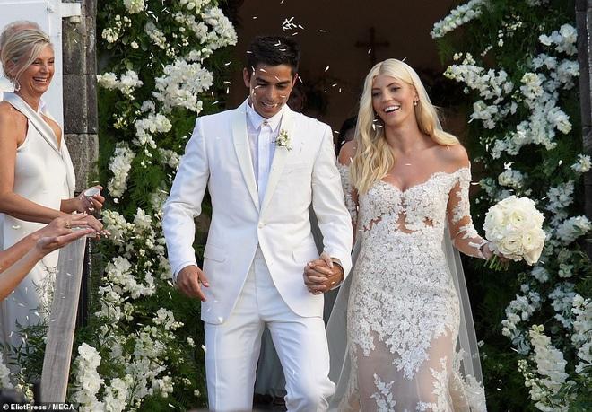 Đám cưới thiên thần Victoria's Secret hot nhất Hollywood hôm nay: Đẹp như phim, gia thế khủng của chú rể gây sốt - ảnh 5