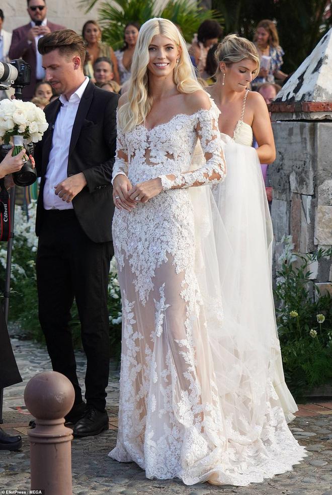 Đám cưới thiên thần Victoria's Secret hot nhất Hollywood hôm nay: Đẹp như phim, gia thế khủng của chú rể gây sốt - ảnh 3