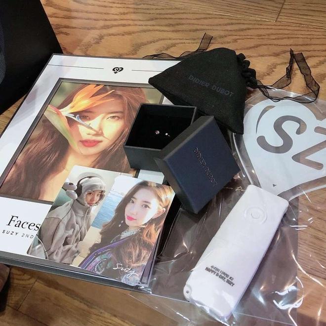 """Khi idol tặng quà đắt tiền cho fan: Jennie, HyunA,… tặng mĩ phẩm xa xỉ, quà của """"tình đầu quốc dân"""" lên đến 1,3 tỉ đồng - Ảnh 12."""