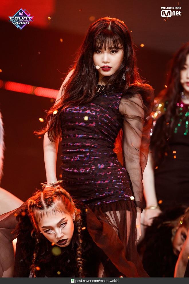 Top 50 nữ idol hot nhất hiện nay: Hwasa đè bẹp cả Jennie - Taeyeon, cả nhóm tân binh (G)I-DLE vươn lên quá nguy hiểm - ảnh 6