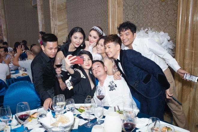 Loạt ảnh nét căng bên trong đám cưới Bảo Thy cùng tiết lộ của cô dâu: Hạnh phúc 10 ngày không ngủ được, 3 ngày trước sốt 42 độ - Ảnh 8.